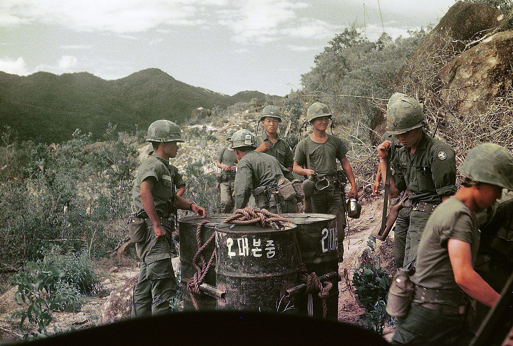 a history of the vietnam war and americas possible victory